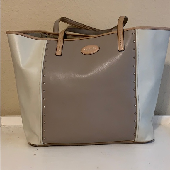 Coach Handbags - Coach Tote Neutral Colors with Silver grommets